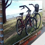 """""""Coppia di biciclette. Dove sono i guidatori?"""" di Angelica D'Angelo"""